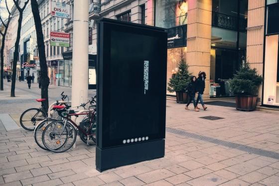 Gewista Infoscreen-Bug auf der Mariahilfer Straße in Wien: BIOS has detected unsuccessful POST attempt(s).
