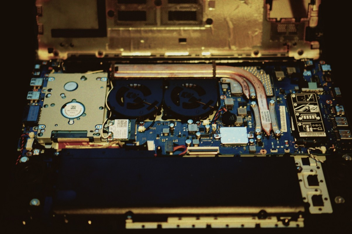 Samsung ATIV Book 6 680 680Z Notebook von innen