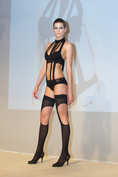 Dessous Design by Kathrin Mayer